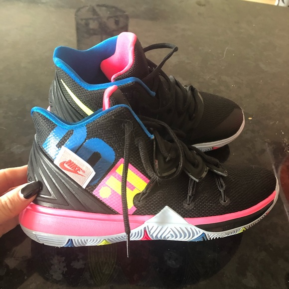 Nike Other - Nike Kyrie Irving Runners